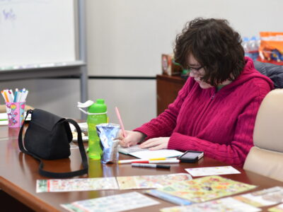 Healthy Transitions Program Creates Wellness Notebooks